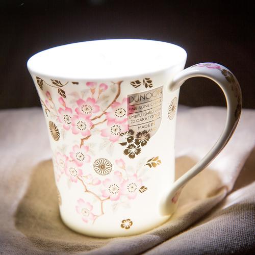 镶金樱花骨瓷杯