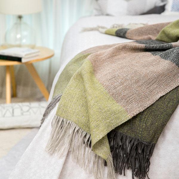 羊毛围巾如何清洗?羊毛围巾正确清洗方法