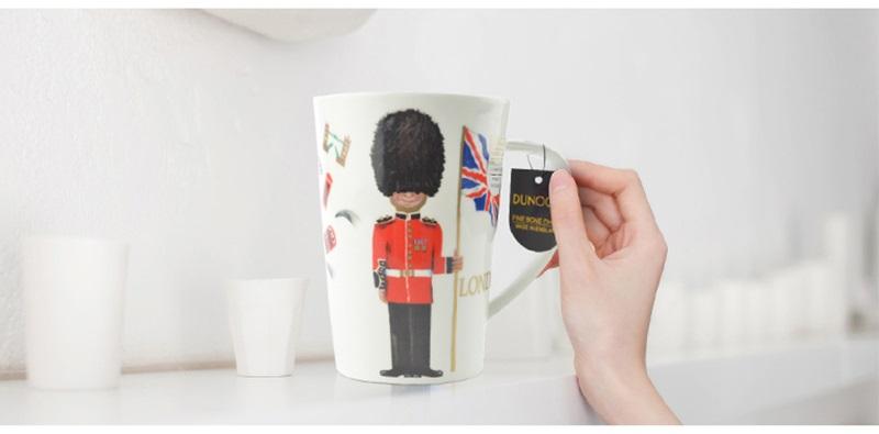 英国丹侬Dunoon骨瓷水杯马克杯茶杯伦敦卫兵水杯情景图