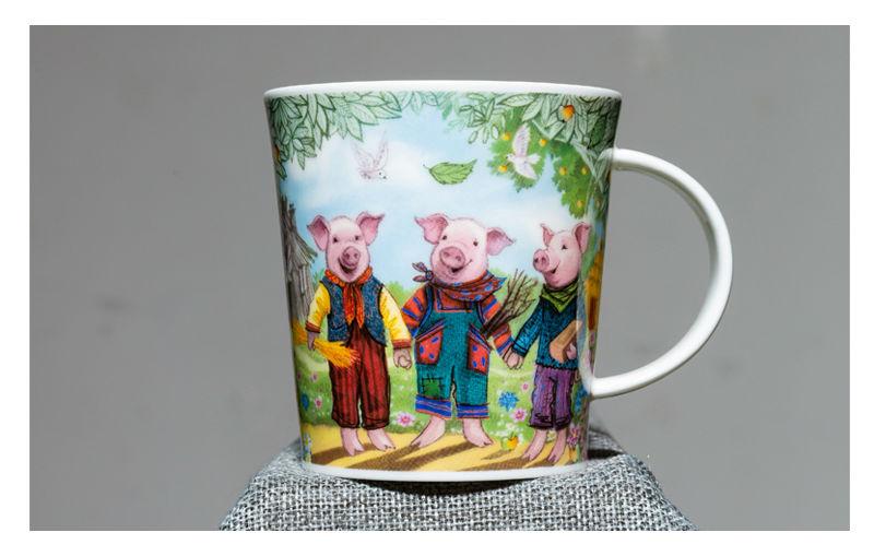英国丹侬Dunoon骨瓷水杯马克杯茶杯三只小猪水杯情景图